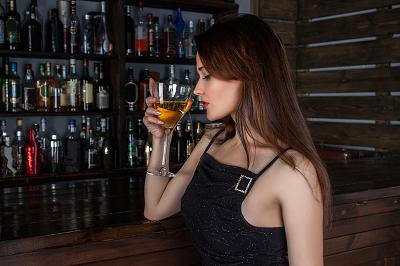 bar woman2